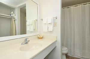 Main-Building-King-Bathroom-with-shower